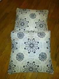 Lot 2 pillows
