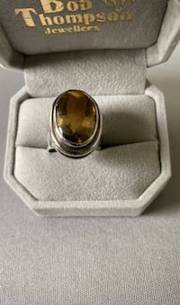 Silver ring with topaz Gatineau, J8T