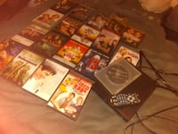 Magnavox dvd player with remote  and 19dvds Phoenix, 85015
