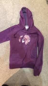 Purple and white pull over hoodie Beaconsfield, HP9 1JW