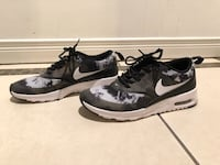 Nike women's shoes. Size 5 Vancouver, V5X