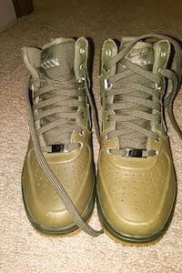 Nike Air Force.. Size 6 Youth  Brockton