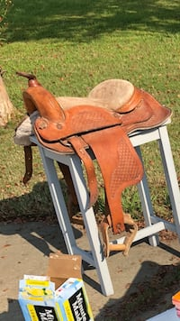 brown and white wooden rocking horse 671 mi