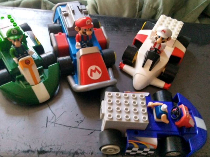 A TON OF KNEX SUP|ER MARIO KART WII MOTORIZED CARS 48f47a96-ee69-40be-aeae-d2447c9d5d10