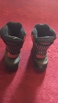 Kids Cougar Winter Boots - size 11 Mississauga, L5W