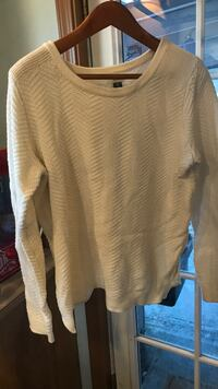 Thin white pullover sweater Spanaway, 98387