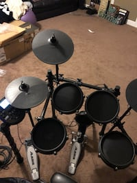 Alesis mesh electric drum set