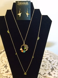 Classy floral fashion necklace with Hummingbirds earrings / New very nice for Spring Alexandria, 22311
