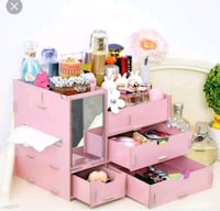 pink and white wooden desk Port Coquitlam, V3C 1P5