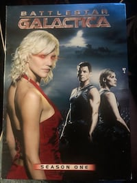 Battlestar Galactica season 1 and 2 dvd box sets   Golden, 80401