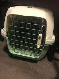 White and Green Pet Carrier Large  Sudbury, P3E 0H4