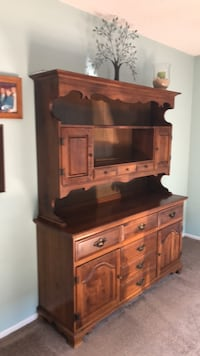 Buffet. wooden with drawers Toms River, 08755