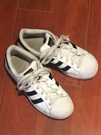 Adidas Superstars Burnaby, V5G
