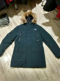 Parka con cremallera The North Face negra