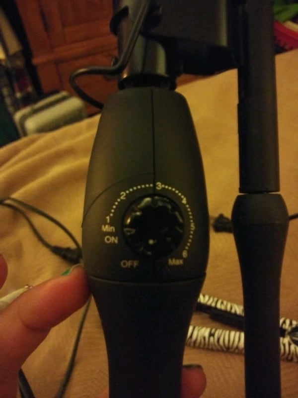 Hair straightner and curling iron 45b280f9-4404-4147-bd5d-c0ccafeeaa99