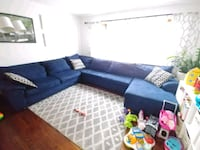 Sectional sofa with sleepers. Elmwood Park, 60707
