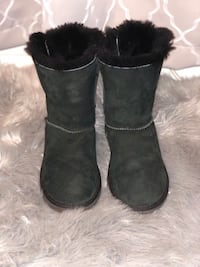 pair of black UGG Bailey Button boots Chantilly, 20151