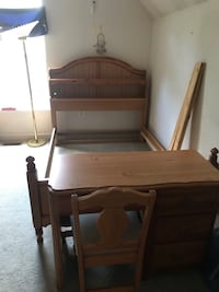 Full size head board (Desk is NOT available) Ashburn