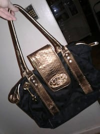 Very nice woman larger style purse Langley