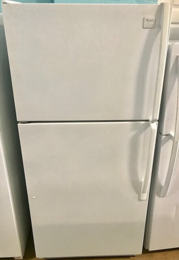 Whirlpool Top and bottom refrigerator  0
