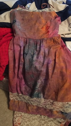 Brown and the dye high low dress size large but fits loosely