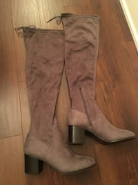 Women's New Knee High Grey 8.5 Suede Boots Toronto, M9B 0A1