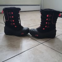 North Face girls snow boots.  NEW. Cranston, 02908