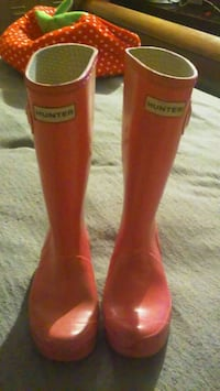 pair of red Hunter rain boots Torrance, 90501