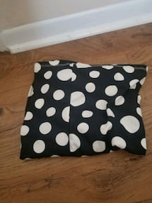 black and white skirt size: m