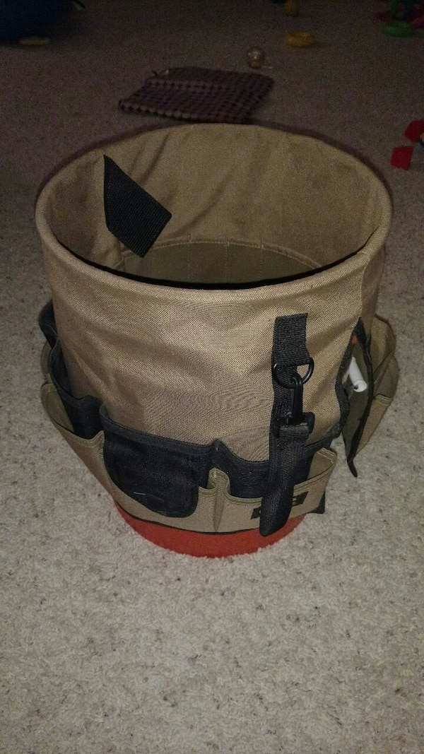 Tool organizer for buckets