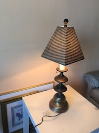 Solid brass lamp classic lamp with brand new shade and light bulb Toronto, M1J