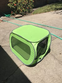 Green pet carrier bag