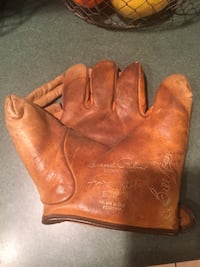 Antique Bill Rogell glove Bluemont, 20135