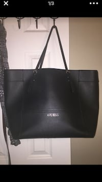 Black leather Guess purse  Bakersfield, 93309