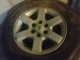 Four  used set Tires and rims Factory  07 Expediti