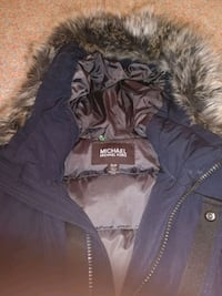 blue and gray zip-up jacket 775 km