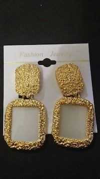 Antique Clip On Sturdy Gold Earrings Clinton, 20735