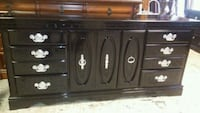 Beautiful black dresser $175 obo Columbia, 29203