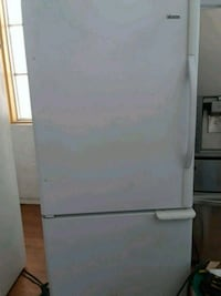 Kenmore elite bottom freezer white color  Santa Ana, 92701
