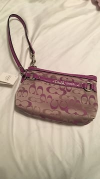 Brand New with tags, Coach wristlet Hopewell, 08302