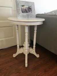 Nadeau Side Table Los Angeles, 90044