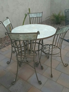 Green rock table and 4 chairs