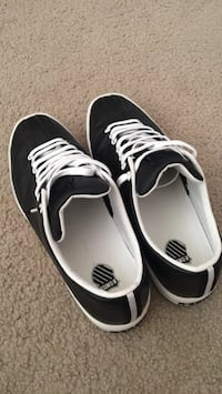 K-Swiss shoes size 10 new no used  Saint Louis, 63123