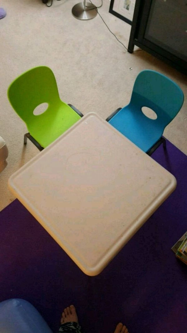 Lifetime Kid's Craft Table 61in X 61in with 2 chairs. 3185ebc9-2cf3-4d2c-a853-e98328eb072d