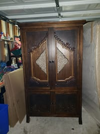 brown wooden cabinet with mirror Germantown, 20874