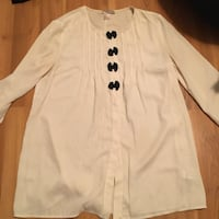 Medium white round-neck long sleeve top f21