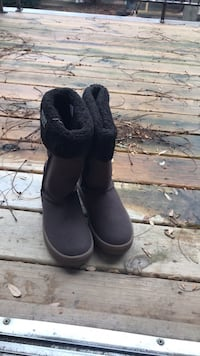 New Highly snug boots, brown, size 38 Chicago