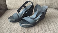 Black wedges with stretchy straps - size 8 Calgary, T3M 0B7