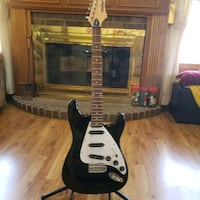 Electric Guitar-First Act with stand ME301  Eden Prairie, 55347
