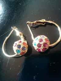 Elegant Earing (multi color/Gold) Vaughan, L6A 3P3